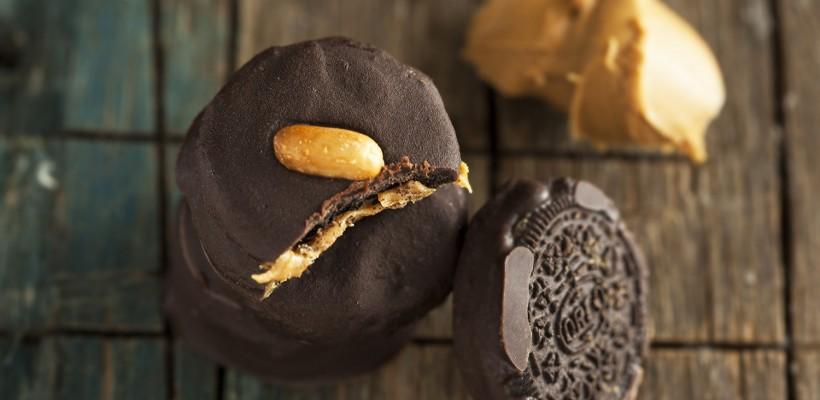 אוראו במילוי חמאת בוטנים מצופה שוקולד
