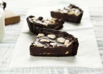 פאי אוראו שוקולד שקדים וחמאת בוטנים
