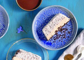 עוגת גלידה אוראו וחמאת בוטנים