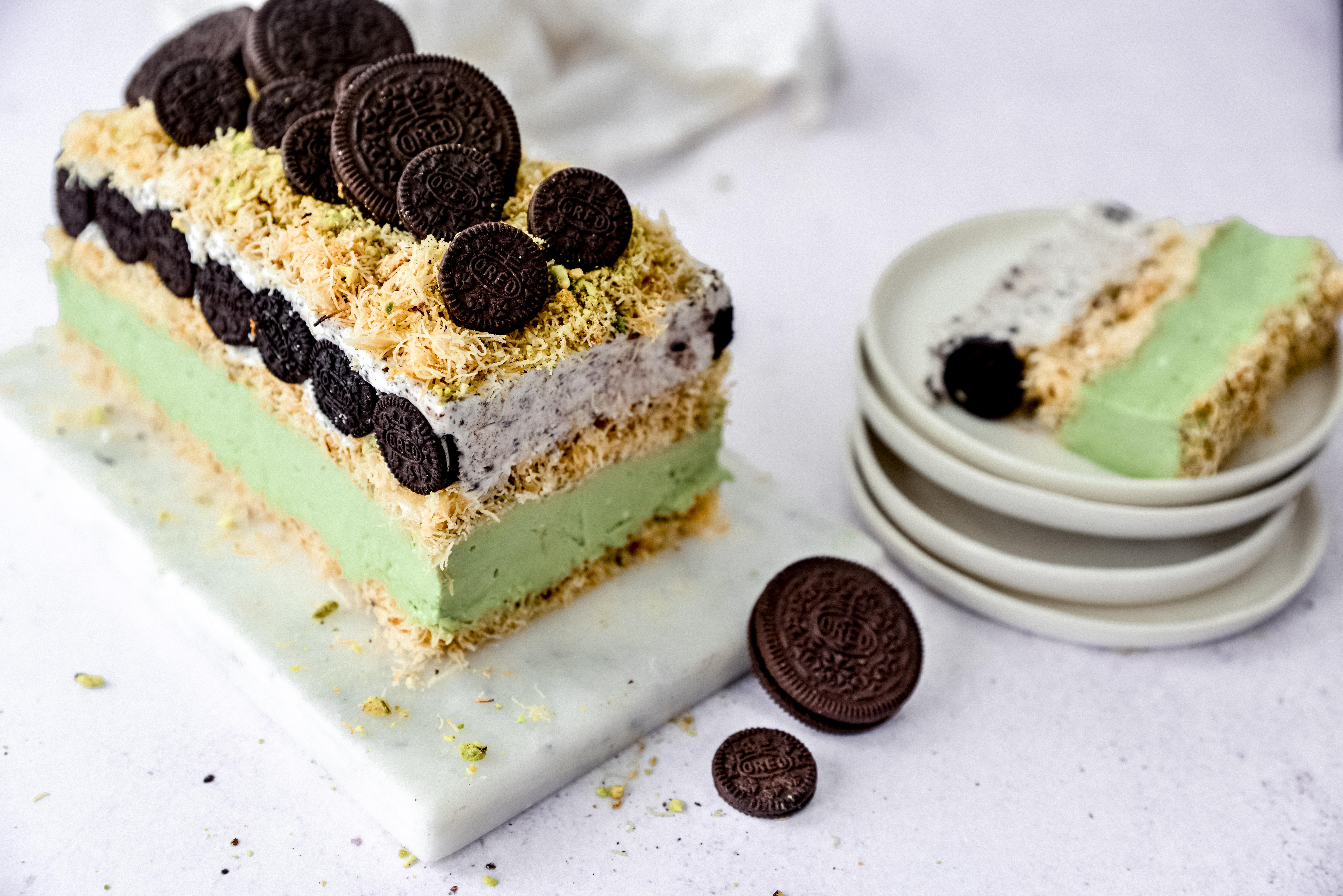 עוגת קדאיף במילוי קרם גבינה ופיסטוק